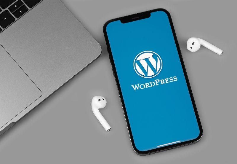 wordpress aperto dentro un cellulare